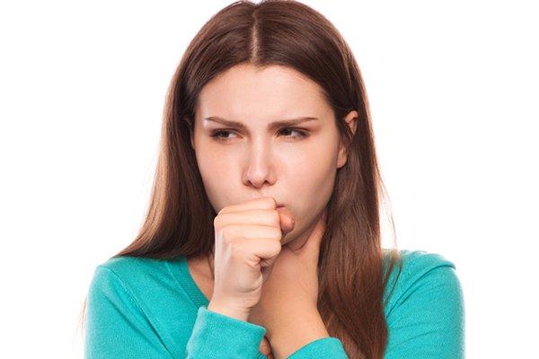 девушка и кашель